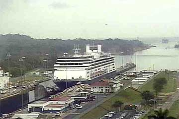 Panama Canal Live Cams view of the Gatun Locks